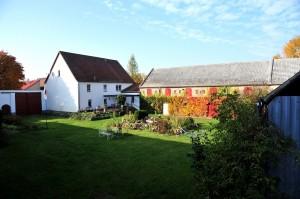 Hof mit Wohnhaus, Stallungen & Scheune